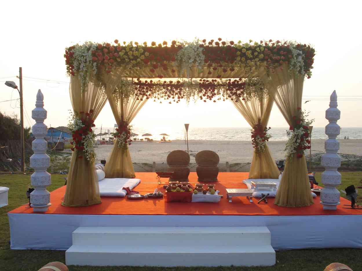 Unique and unforgettable indian wedding theme ideas for Cool wedding decoration ideas