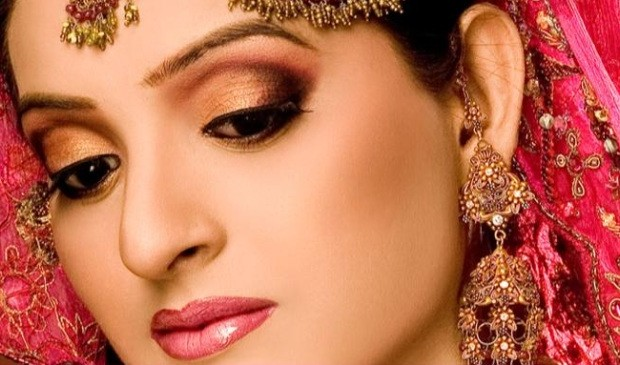 Bridal Makeup Online : Makeup for Your Bridal Trousseau - Indias Wedding Blog ...