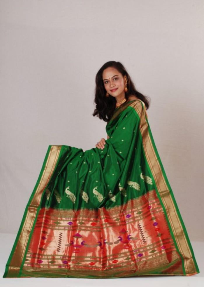 green paithani-NavlaeePaithani
