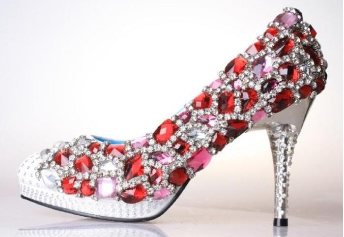 1278ddbc1 Add a Bling to Your Wedding Shoes – DIY Ideas – India's Wedding Blog