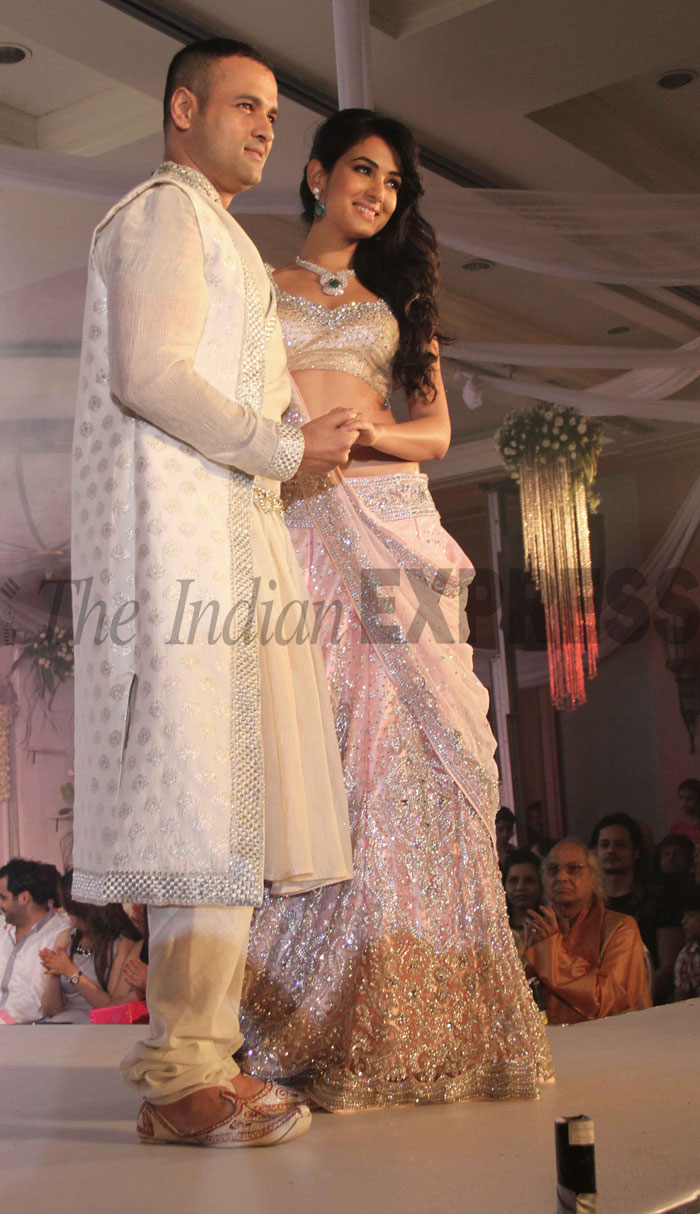 Sonal and Rohit Roy - show stoppers