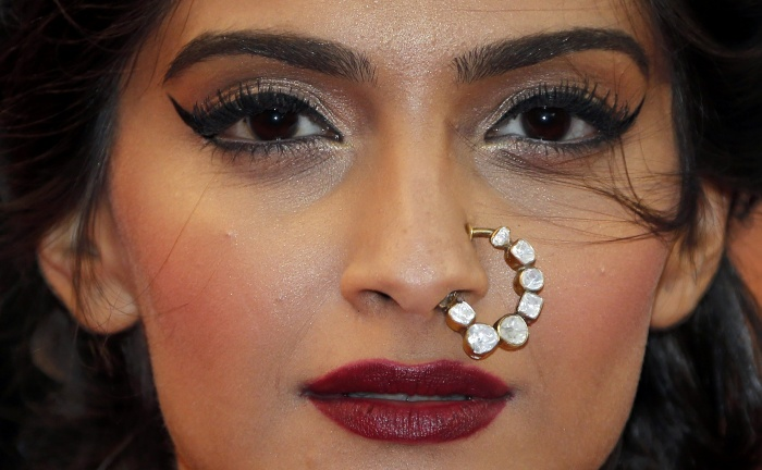 Editor's Pick: Bridal Nose Ring Designs We Love