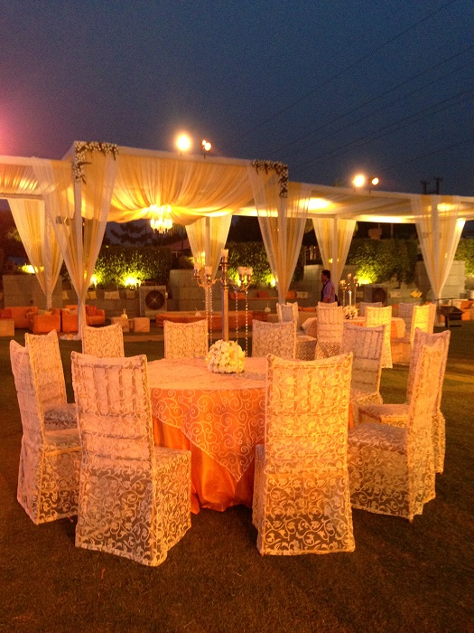 Real weddingsretro charm at rahul snigdhas lucknow wedding by yuna yuna weddings is the wedding planning division of old world hospitality pvt ltd owh owhs heritage spanning five decades representing the best junglespirit Images