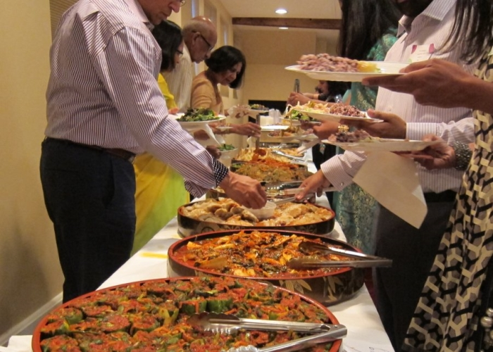 avoid a sit down family dinner kind of meal unless you are inviting just a handful of guests to be a part of your wedding if that is the case