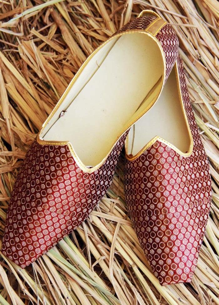 indian footwear for grooms