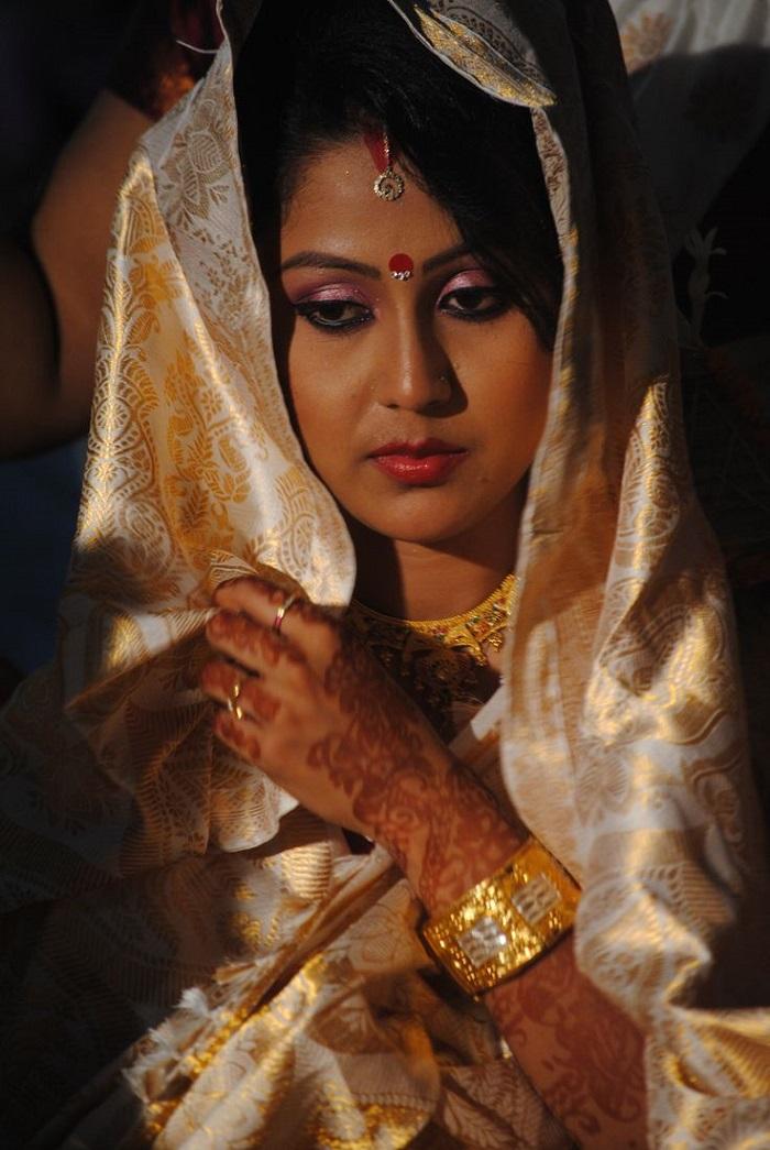 Indian Bridal Apparel Assamese Bride India S Wedding