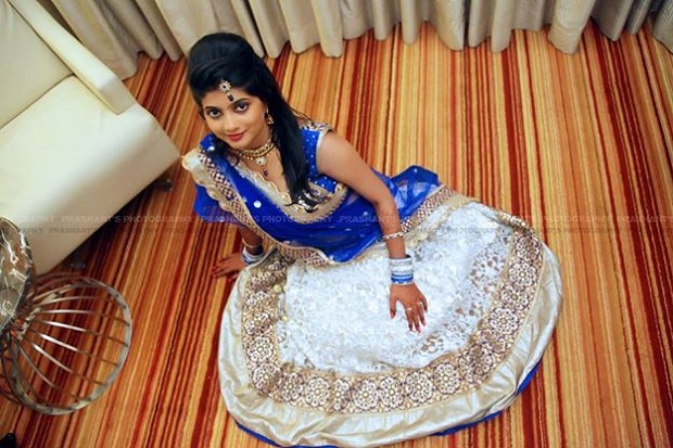blue and white lehenga for Indian bride with fabulous wedding hairstyle