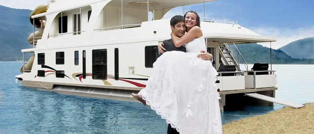 Houseboat wedding-top wedding destinations for monsoon weddings in India