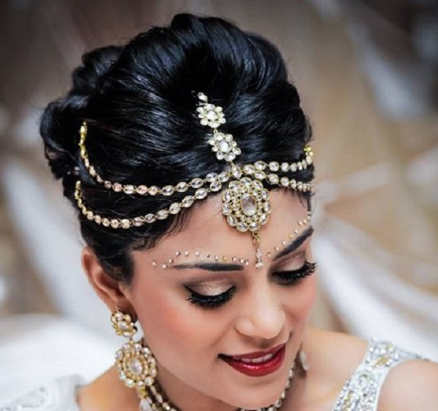 Traditional Indian wedding hairstyles with hair accessories