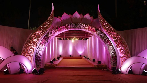 real Indian wedding in Daman by Confetti Films the decor at Mirasol Daman Resort