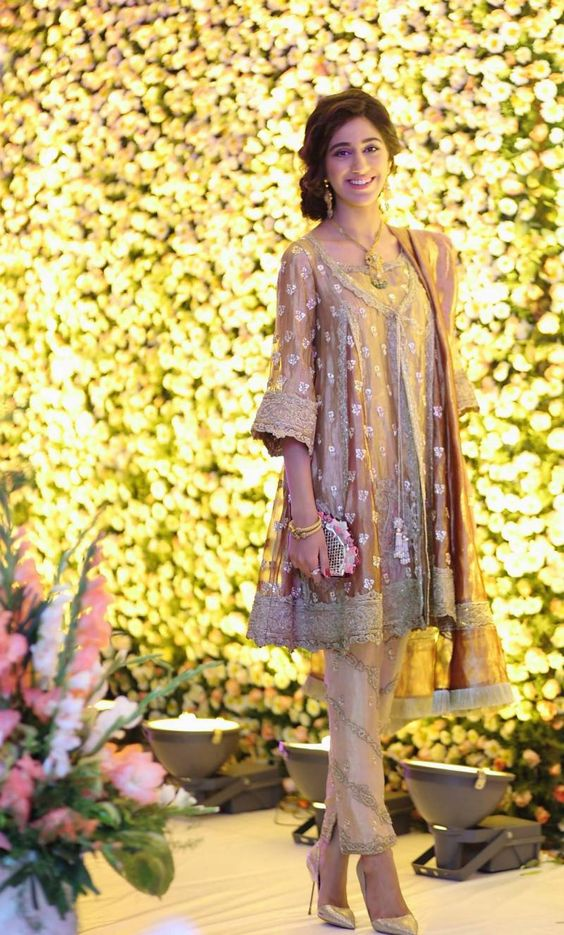 10 Wedding Dress Ideas For Girls Attending Their Best Friends