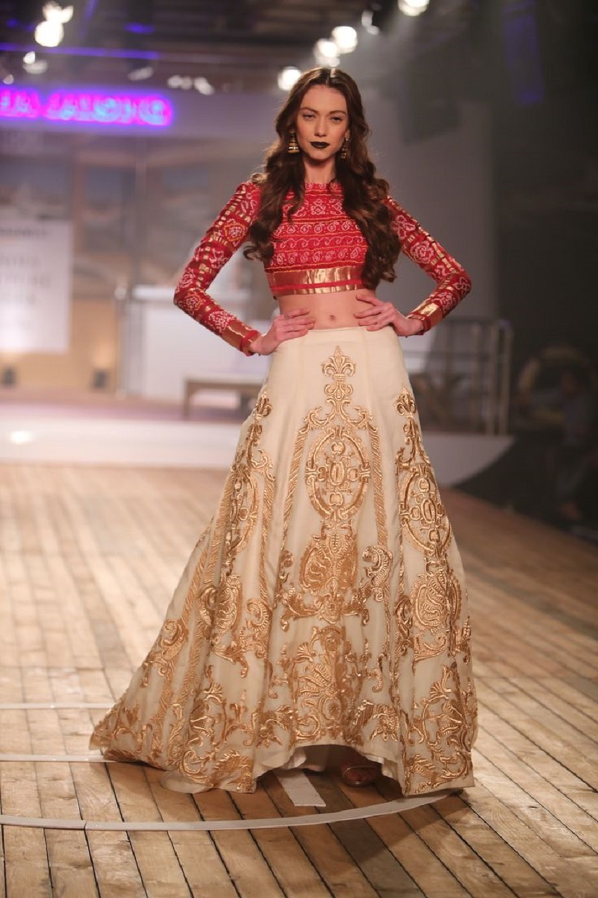 10 Trendy Full Sleeve Lehenga Cholis For Autumn Winter Brides India S Wedding Blog Exploring
