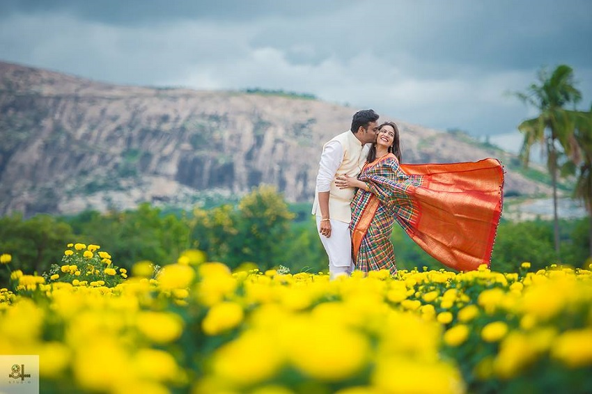 post and pre wedding photography in Lepakshi-images by best wedding photographers in Chennai 84mm Studio