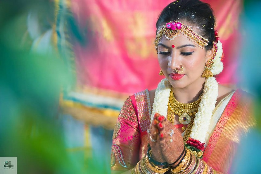 beautiful Indian real wedding-bridal makeup by Manjeet Khehra-image by best wedding photographers in Chennai 84mm Studio