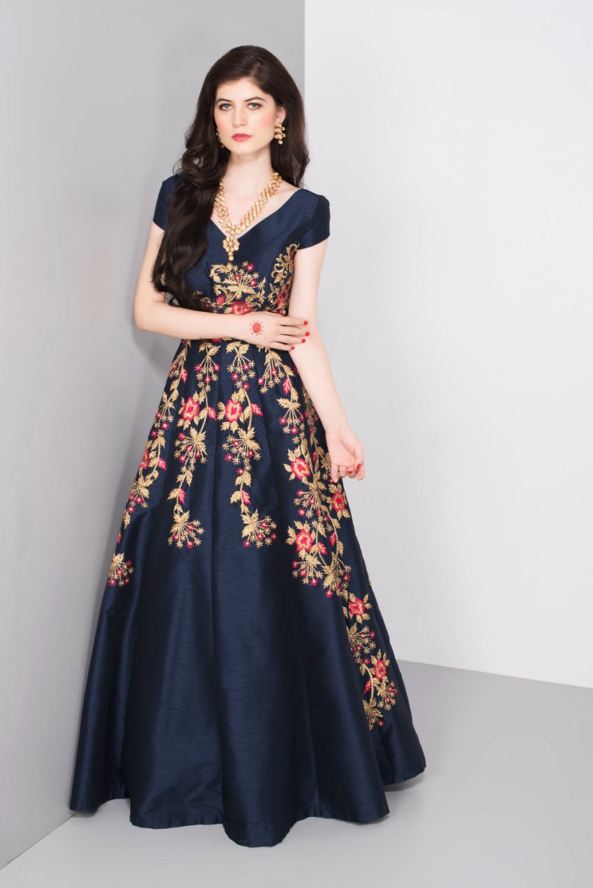 Top 5 Places To Rent Your Wedding Lehengas Online India
