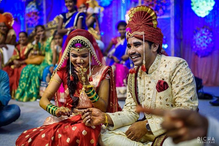 bride and groom Marathi-Aniket Kanade wedding