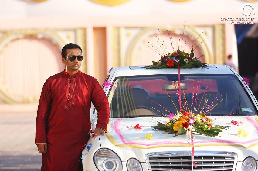 wedding car-Maharashtrian bridal makeup-classic Marathi real wedding