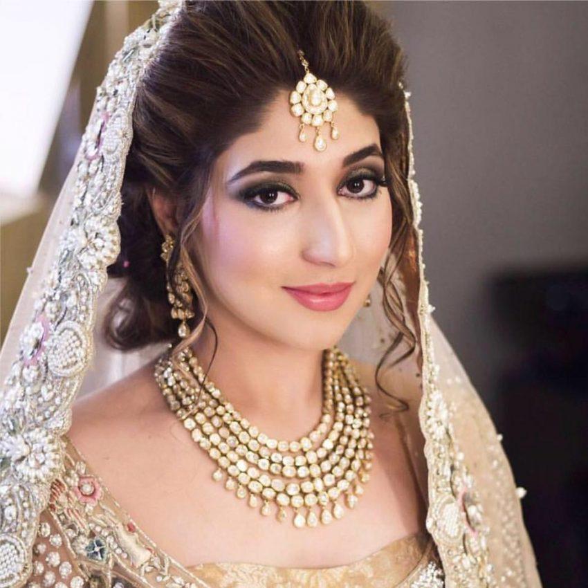 Ask the expert-Kajol R Paswwan bridal makeup artist Mumbai