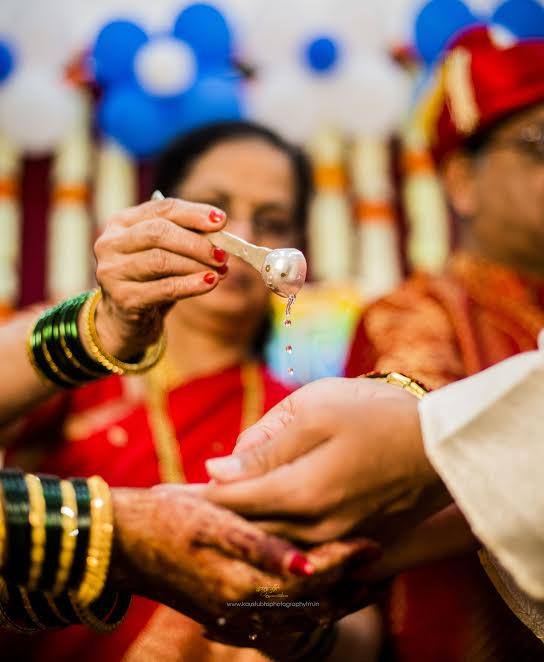 traditional Puneri Marathi wedding Simple Puneri wedding by Kaustubh's Photography