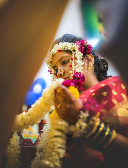 Marathi bride-Simple Puneri wedding by Kaustubh's Photography