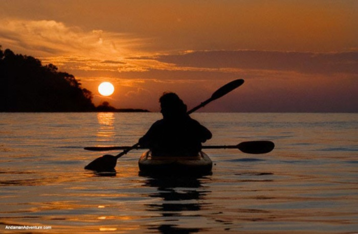 kayak_sunset_couple