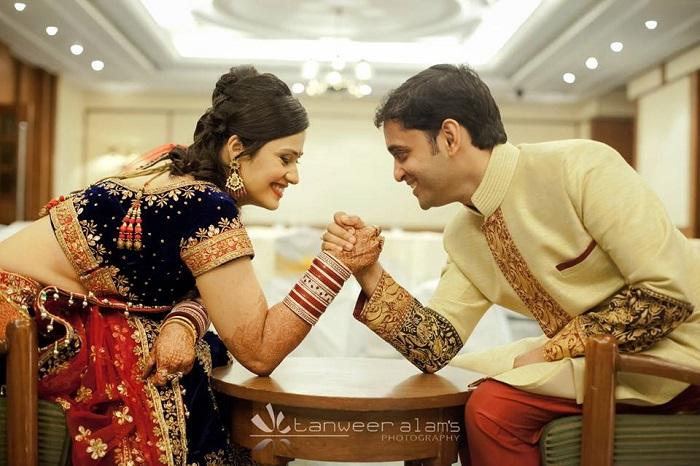 arnab priya hand fight