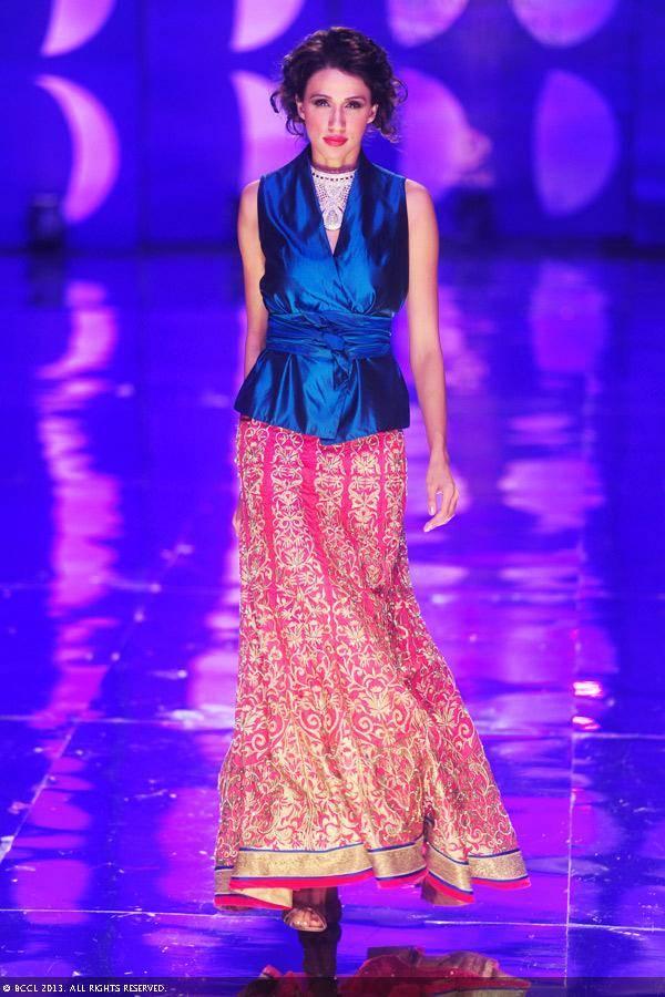 Alecia-Raut-walks-the-ramp-to-showcase-a-creation-by-designer-Jyotsna-Tiwari-on-Day-2-of-the-India-Bridal-Fashion-Week-IBFW-2013-at-The-Grand-Vasant-Kunj-in-New-Delhi