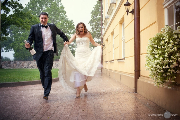 3 Factors To Keep In Mind Before Hiring a Wedding Photographer