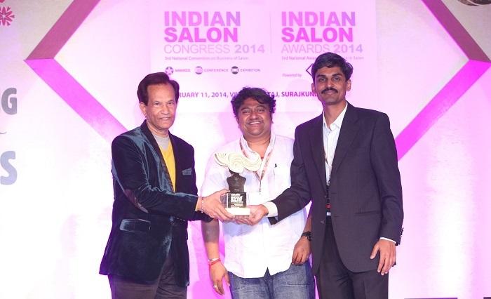 L to R - Jahir Habib and Murali Sundar, Country Manager, Schwarzkopf Professional presenting award to Rahul Bhalchandra, CEO and Director, YLG Salon