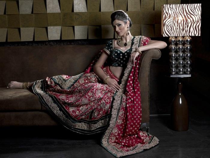 taj sari palace