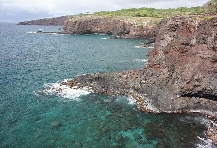 Lava_Flows_at_Hulopoe_Bay_Lanai_Hawaii_3