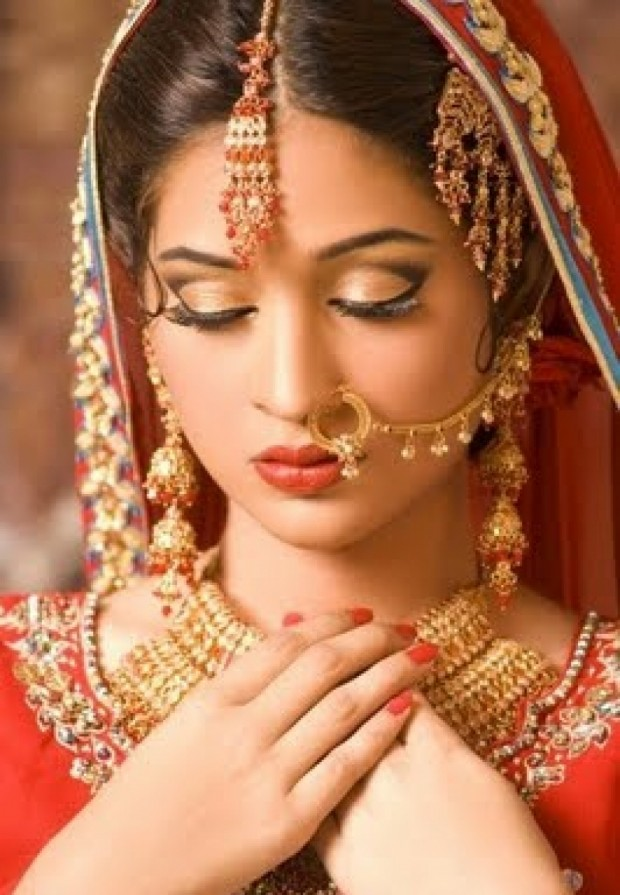 orange lipstick colour for Indian brides