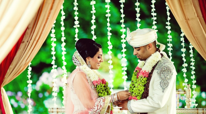 an essay on indian wedding A short hindu wedding ceremony this ceremony is considerably shorter and is intended to be understandable even to a non-indian audience.