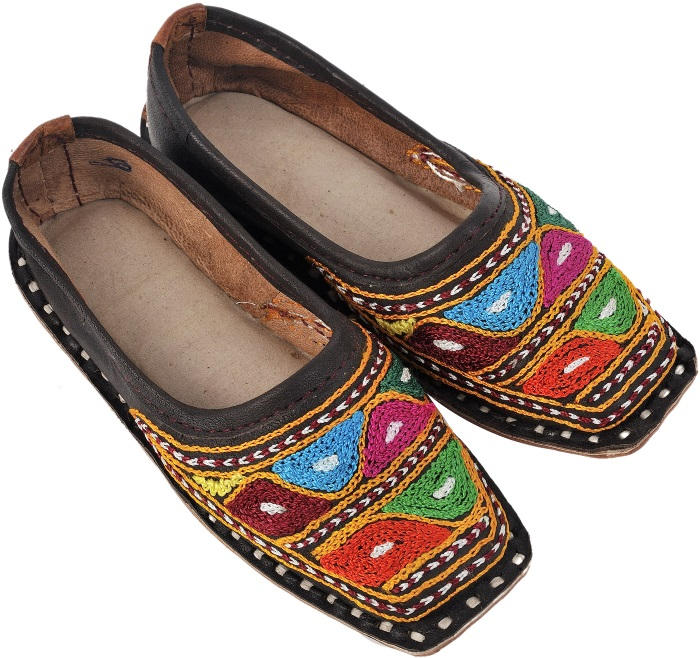 indian handcrafted shoes