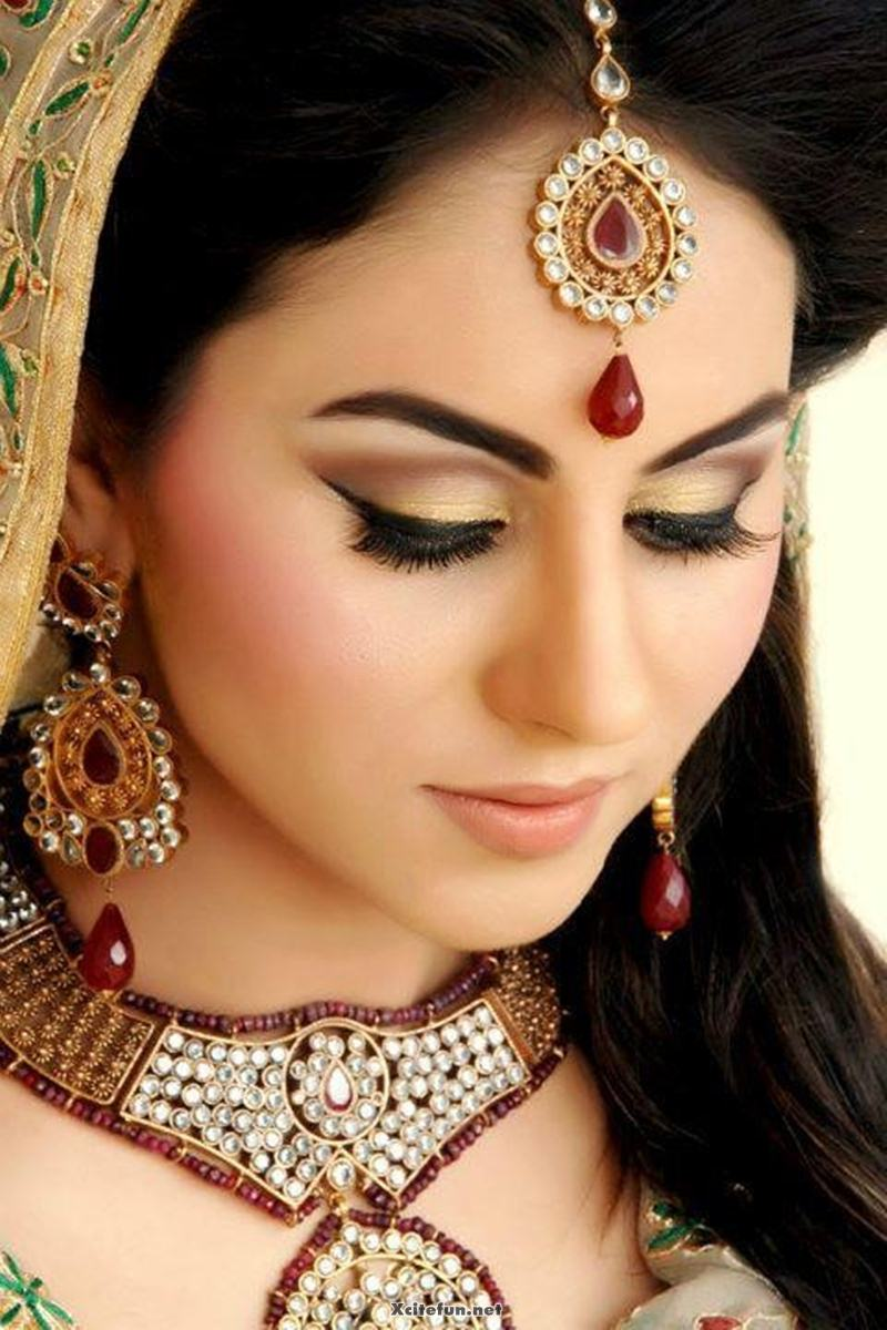 7 Exquisite Maang Tika Trends To Look For India S