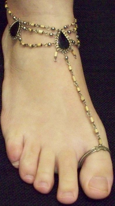 Anklet with toe ring