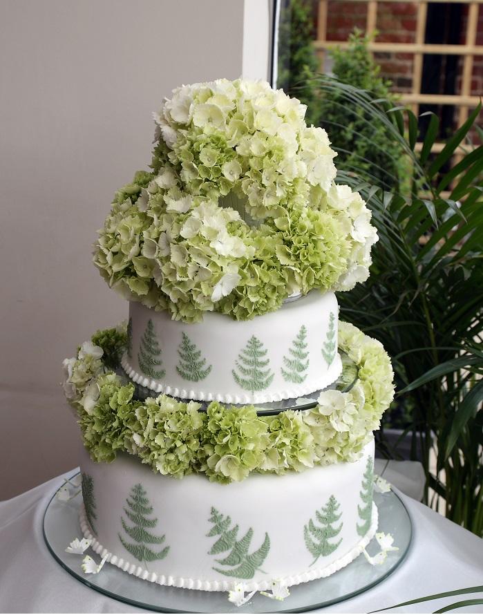 Green Fern Wedding cake