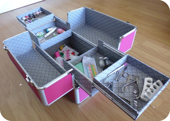 vanity kit with compartments