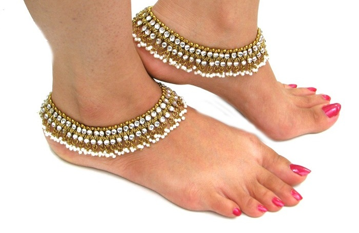 beautiful moti anklets