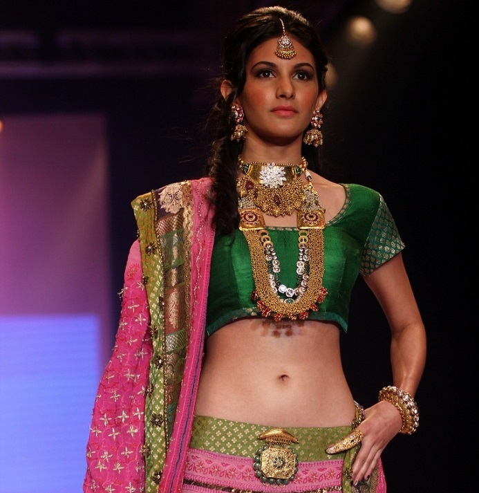 Indian wedding hairstyle 2014 trends