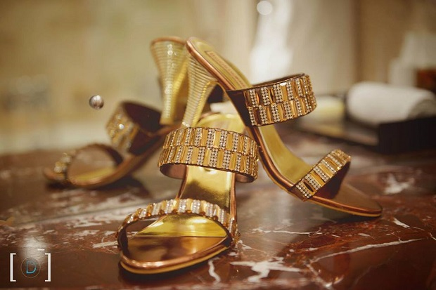 how to select Indian wedding shoes