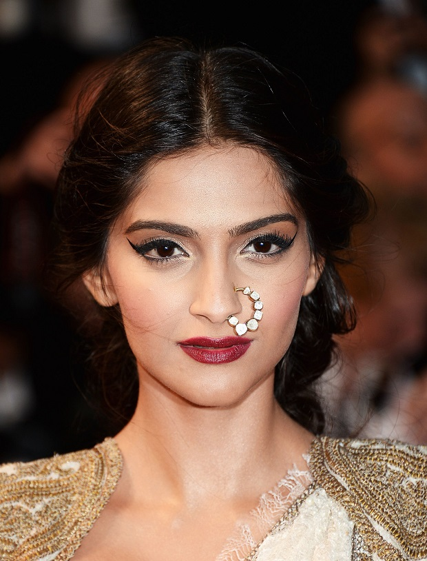 overly done winged eyeliner Sonam Kapoor
