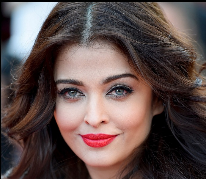 neon orange lips Aishwarya Rai