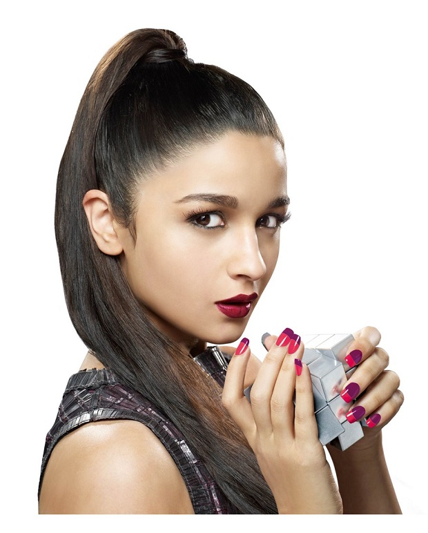 wedding nails Alia Bhatt
