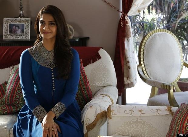 Sonam Kapoors bridal looks in Dolly Ki Doli
