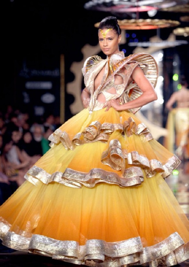 Delhi-Couture-Week-Manav-Gangvani-4-e1312818963994