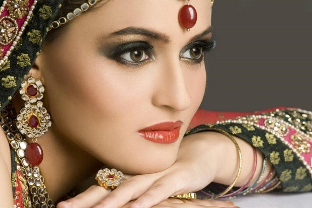 Indian Brides-Use These Eye-Makeup Products For Spring/Summer 2015 Wedding Season | Exploring ...