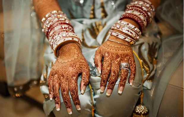 remove fading mehendi from hands and legs