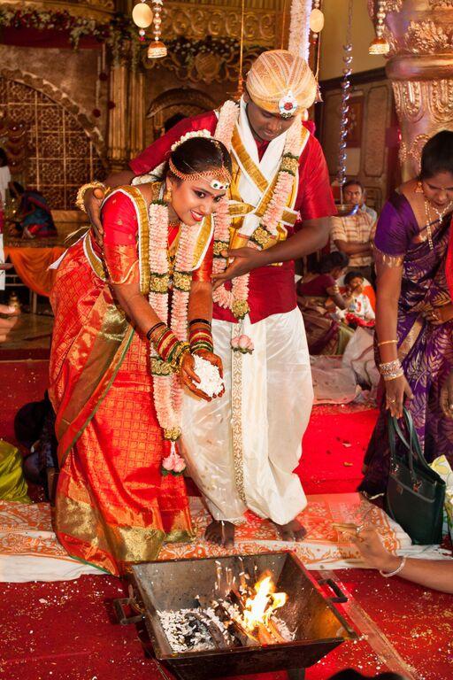 orange&gold themed wedding