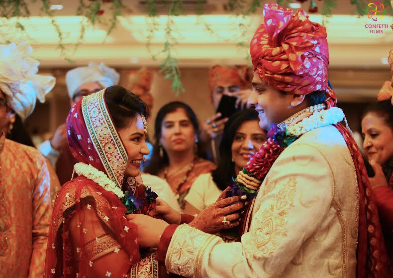 Beautiful Indian real wedding in Mumbai Garware Sports club